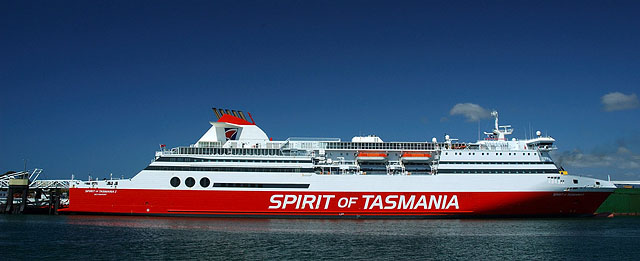 Круизный лайнер / Фото из Австралии