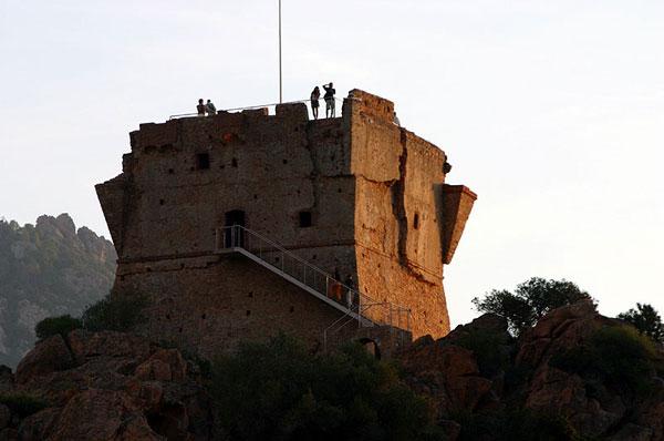 Генуэзская башня / Фото из Франции