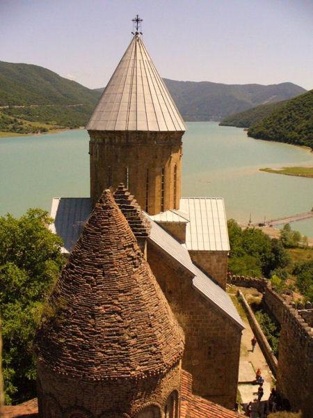 Крепость в Ананури / Фото из Грузии