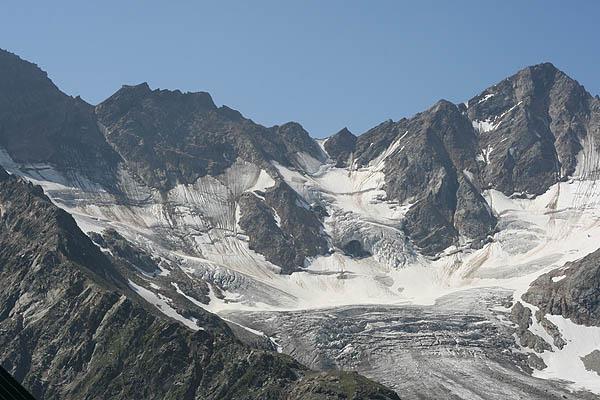 Вид на ледник Малый Азау / Фото из России