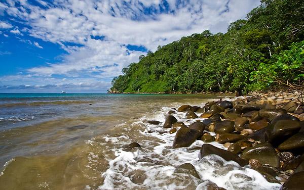 Пляж бухты Chatam Bay / Фото из Коста-Рики