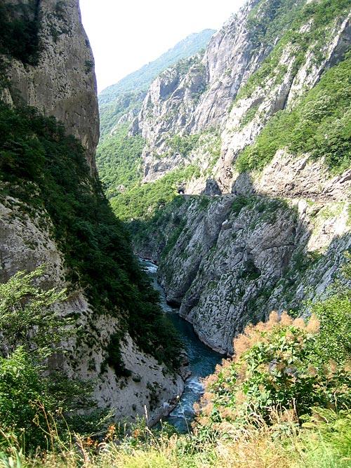 Каньон реки Морача / Фото из Черногории