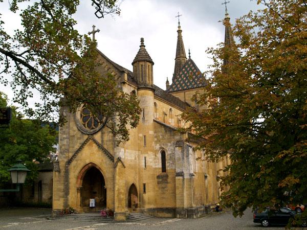 Коллегиальная церковь в Невшателе / Фото из Швейцарии