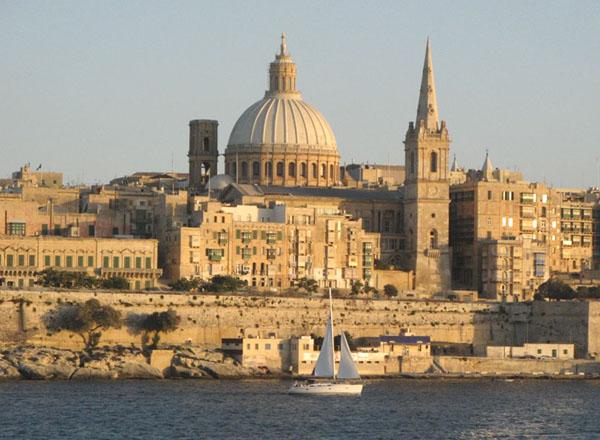 Вид на столицу Мальты - город Валетту / Фото с Мальты