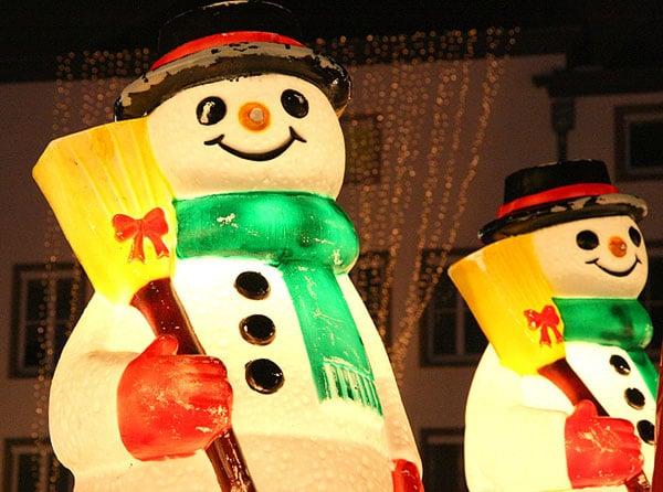 Снеговики на улице / Фото из Германии