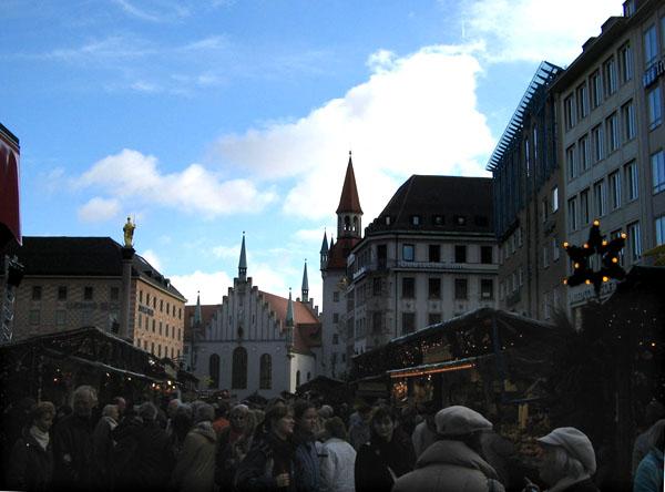 Ярмарка в центре Мюнхена / Фото из Германии