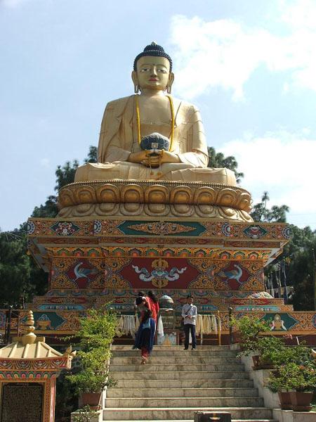 Статуя Будды / Фото из Непала