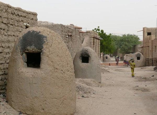 В этих очагах жители Томбукту пекут по утрам хлеб / Фото из Мали