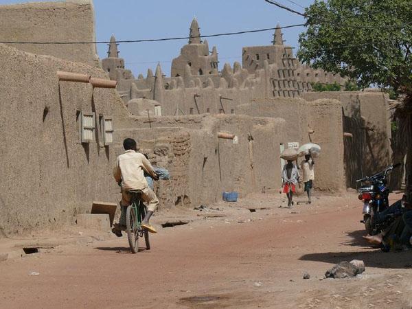 На улице Дженне / Фото из Мали