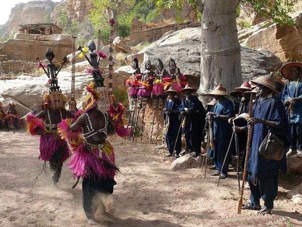 Представление в деревне Тирелли / Фото из Мали