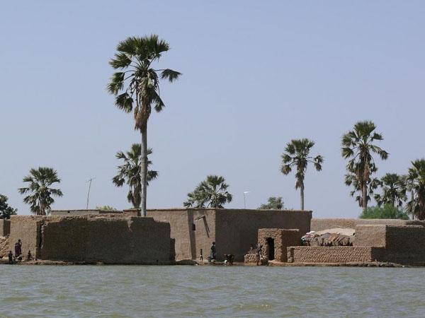 Вниз по африканской реке... / Фото из Мали
