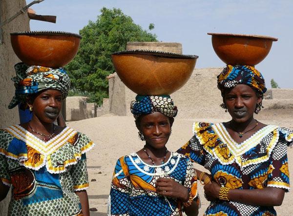 Девушки фульбе / Фото из Мали