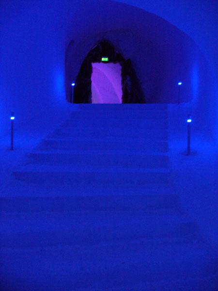 Снежная лестница в ледяной храм / Фото из Норвегии
