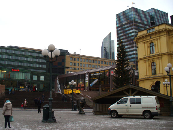 Тигр на площади перед вокзалом, Осло / Фото из Норвегии