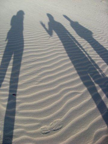 Тени на песке. Пляж Аомак / Йемен