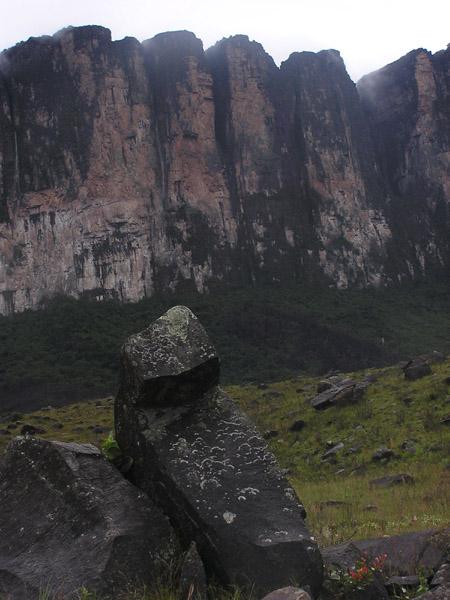 Неприступные стены Рораймы / Фото из Венесуэлы