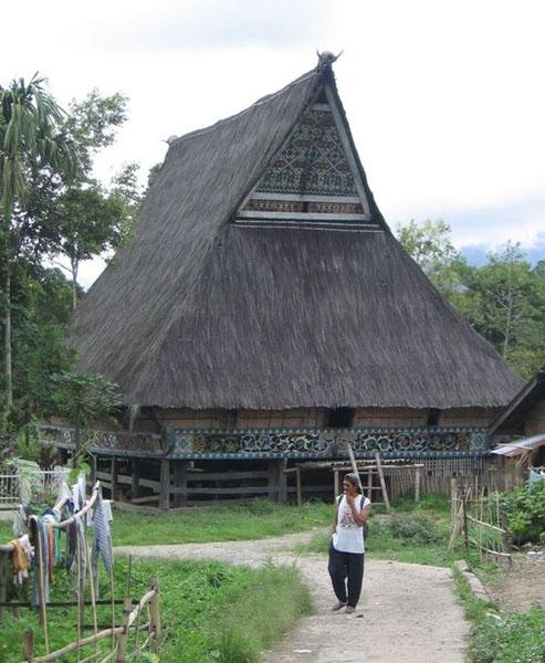 Архитектура народности батаки / Фото из Индонезии