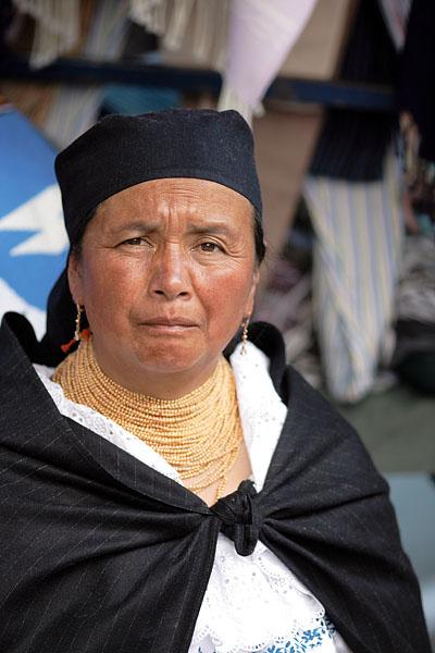 Бабушка племени отавало / Фото из Эквадора