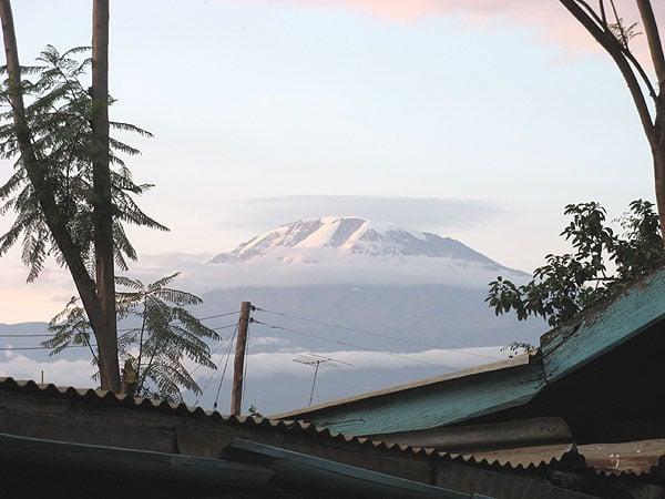 Манящая вершина Килиманджаро / Фото из Танзании