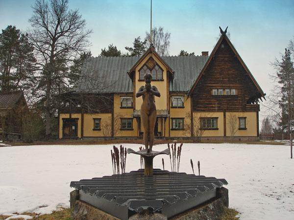 Музей Андриша Зорна находится напротив отеля / Фото из Швеции