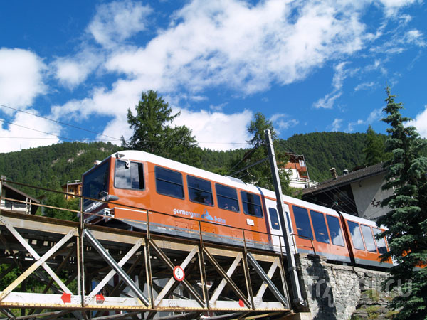 Вагончик Gornergratbahn / Фото из Швейцарии