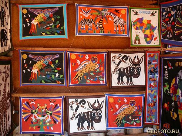 Темы самые разнообразные... / Фото из Бенина