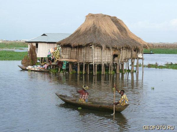 Дом на сваях, Ганвье / Фото из Бенина