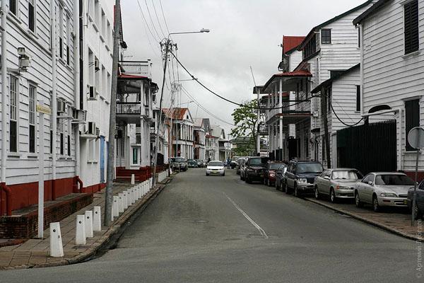 Колониальные дома в Парамарибо / Фото из Суринама