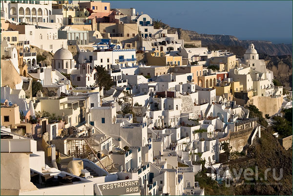 Тира – столица Санторина / Фото из Греции