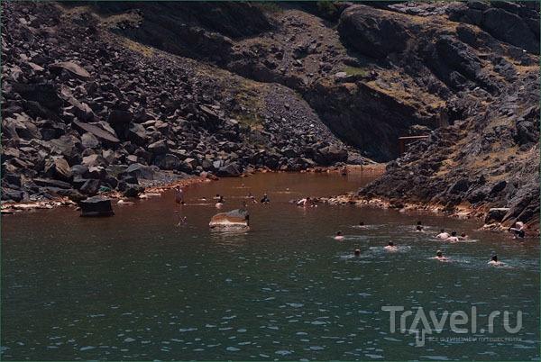 Горячий источник на Палеа-Камени / Фото из Греции