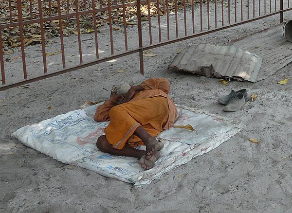 Типичная жизнь садху / Фото из Индии