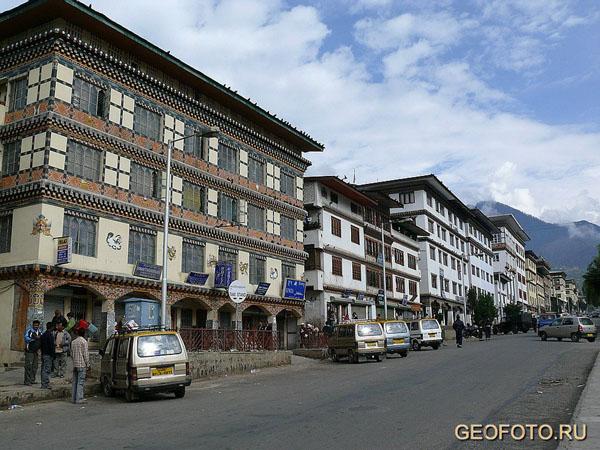 Улицы Тхимпху - столицы Бутана / Фото из Бутана