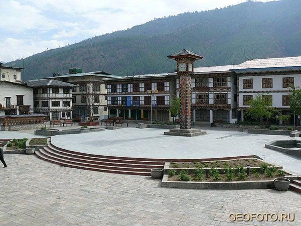 В городе Тхимпху  / Фото из Бутана