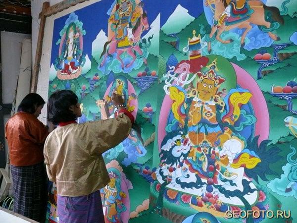 """Мастерская по изготовлению """"танков"""" - буддийских икон / Фото из Бутана"""