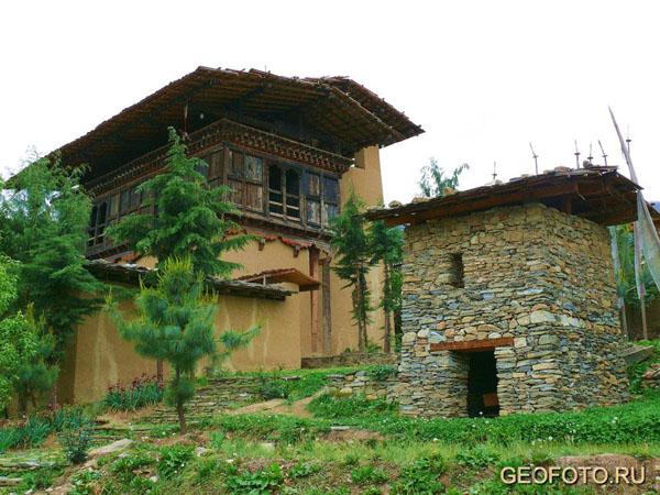 Традиционный бутанский сельский дом восстановлен в Музее народного наследия / Фото из Бутана