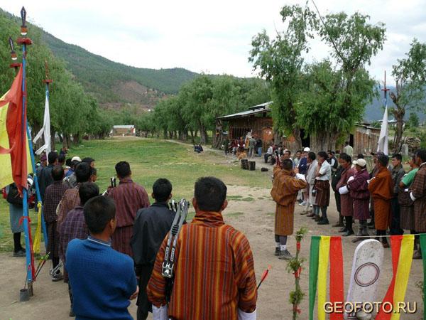 Стрельба из лука – национальный спорт бутанцев / Фото из Бутана