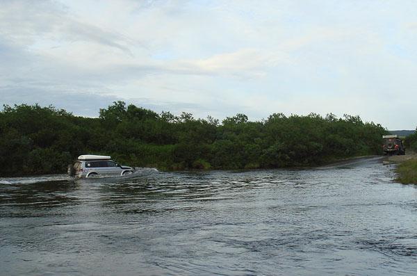 Брод через реку Выкат / Фото из России