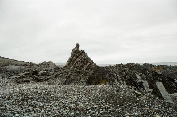 Скала на мысе Большой Скорбеевский высотой 10 метров / Фото из России