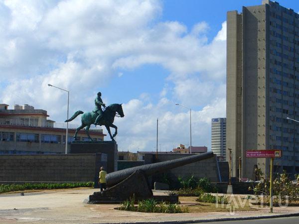 Сквер Каликсто Гарсиа / Фото с Кубы