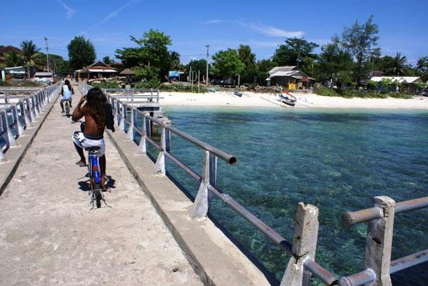 Пристань на Гили-Травангане / Фото из Малайзии