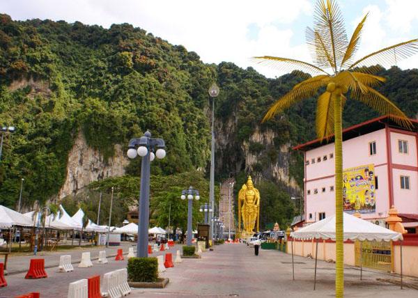 Пещеры Бату / Фото из Малайзии