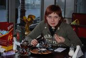 завтрак в кафе 'рок-н-ролл' / Украина