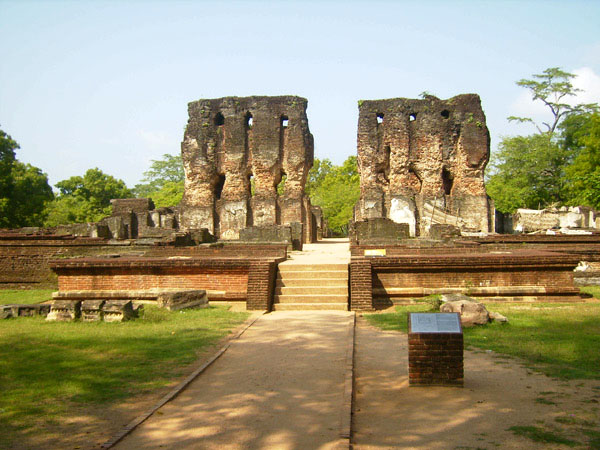 Древний город Полоннарува, Шри-Ланка / Фото со Шри-Ланки