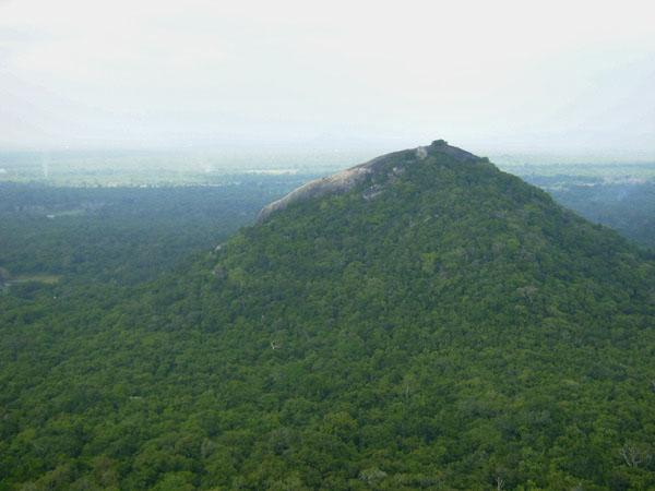 С вершины горы открываются захватывающие пейзажи, Шри-Ланка / Фото со Шри-Ланки