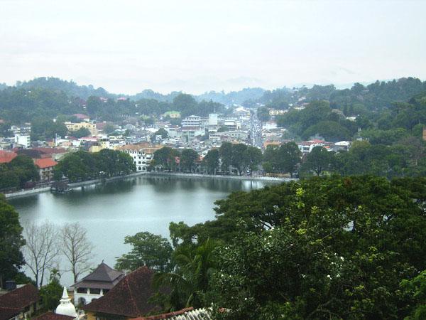 Живописная центральная часть города Канди, Шри-Ланка / Фото со Шри-Ланки