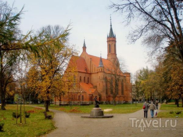 Комплекс Druskininkai расположен в самом центре города, рядом с костелом / Фото из Литвы