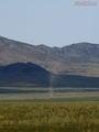 так раскручивается пыльный смерчик / Монголия