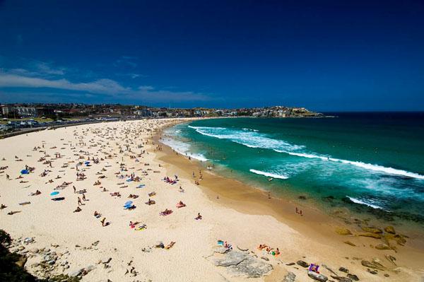 Бонди-Бич - недалеко от центра Сиднея / Фото из Австралии