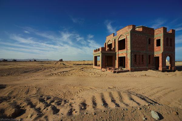 Строящаяся вилла практически в пустыне, Эль-Гуна / Фото из Египта