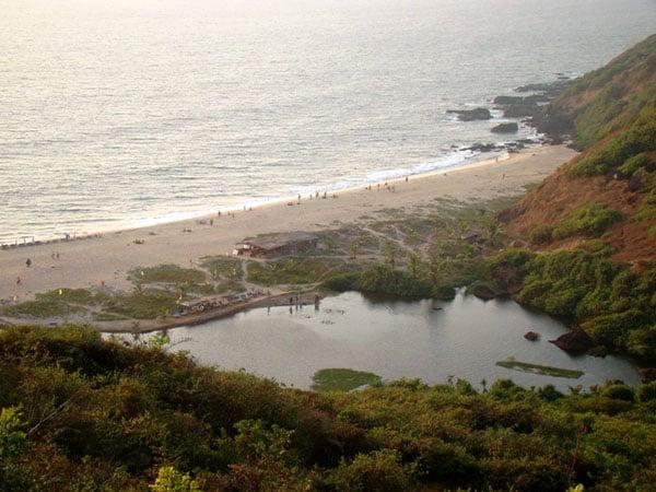 Пресное озеро на пляже Арамбола, Гоа / Фото из Индии